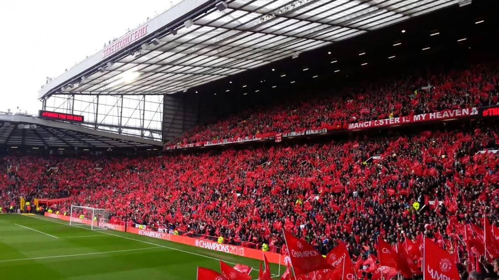 MU yêu cầu CĐV không tụ tập quanh sân Old Trafford