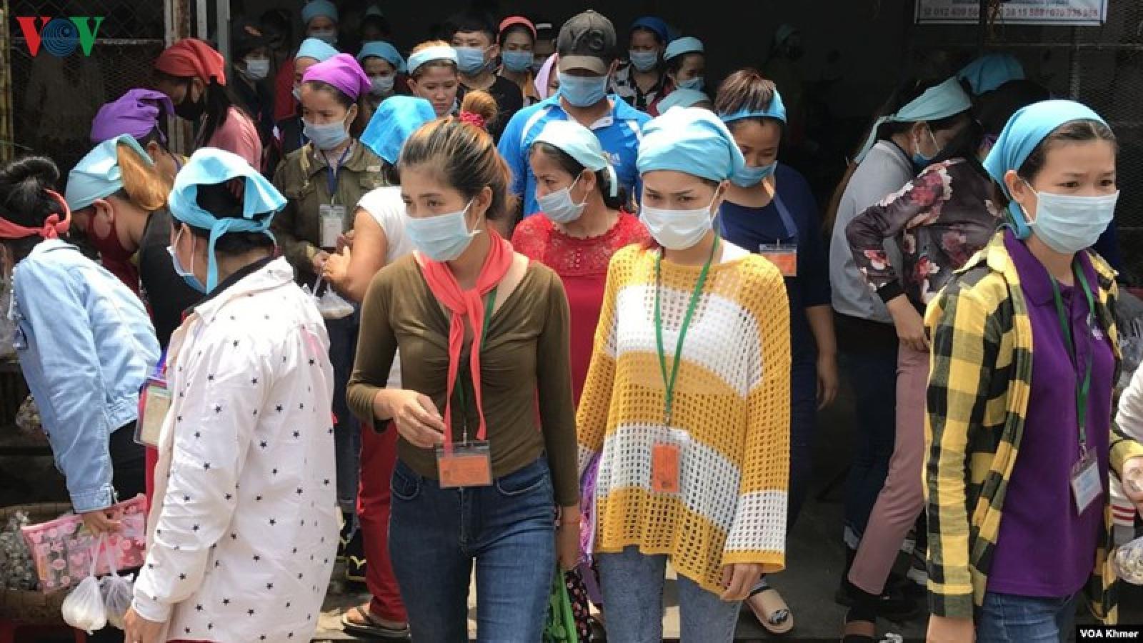 Dịch Covid-19 khiến 200.000 công nhân Campuchia mất việc làm