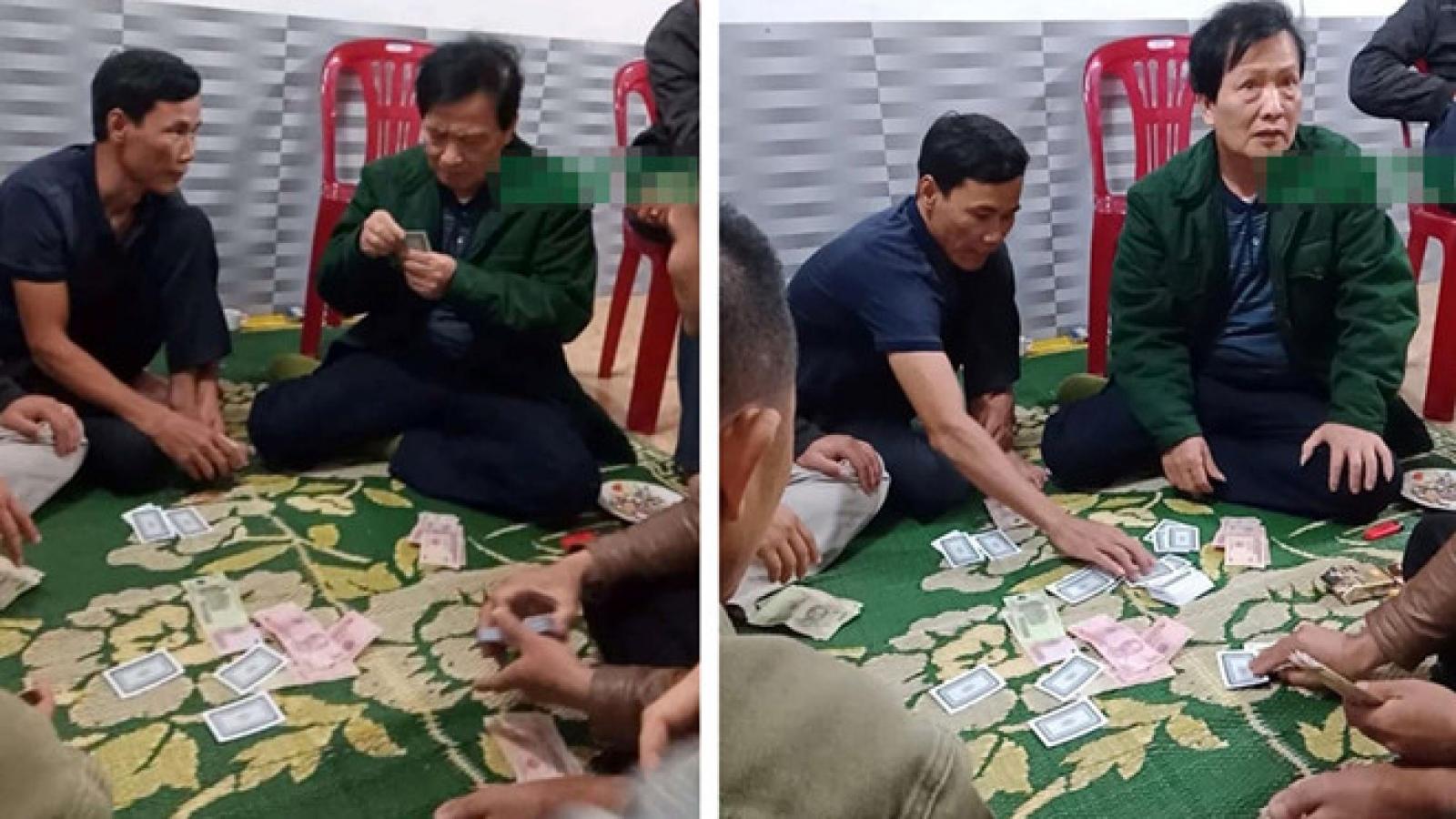 Cách chức Chủ tịch xã ở Hà Tĩnh tham gia đánh bạc