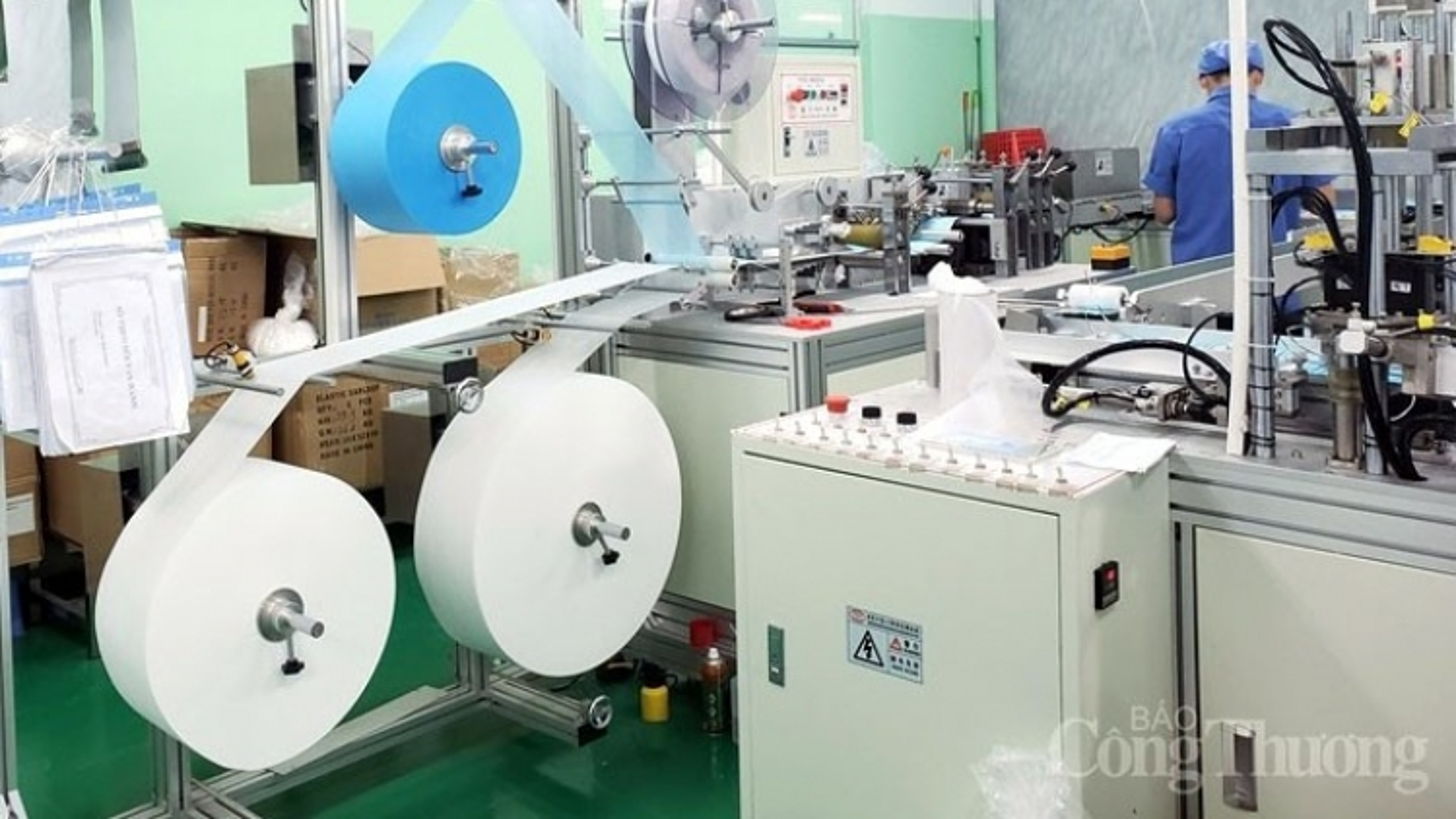 Giám sát chặt việc nhập dây chuyền sản xuất khẩu trang đã qua sử dụng