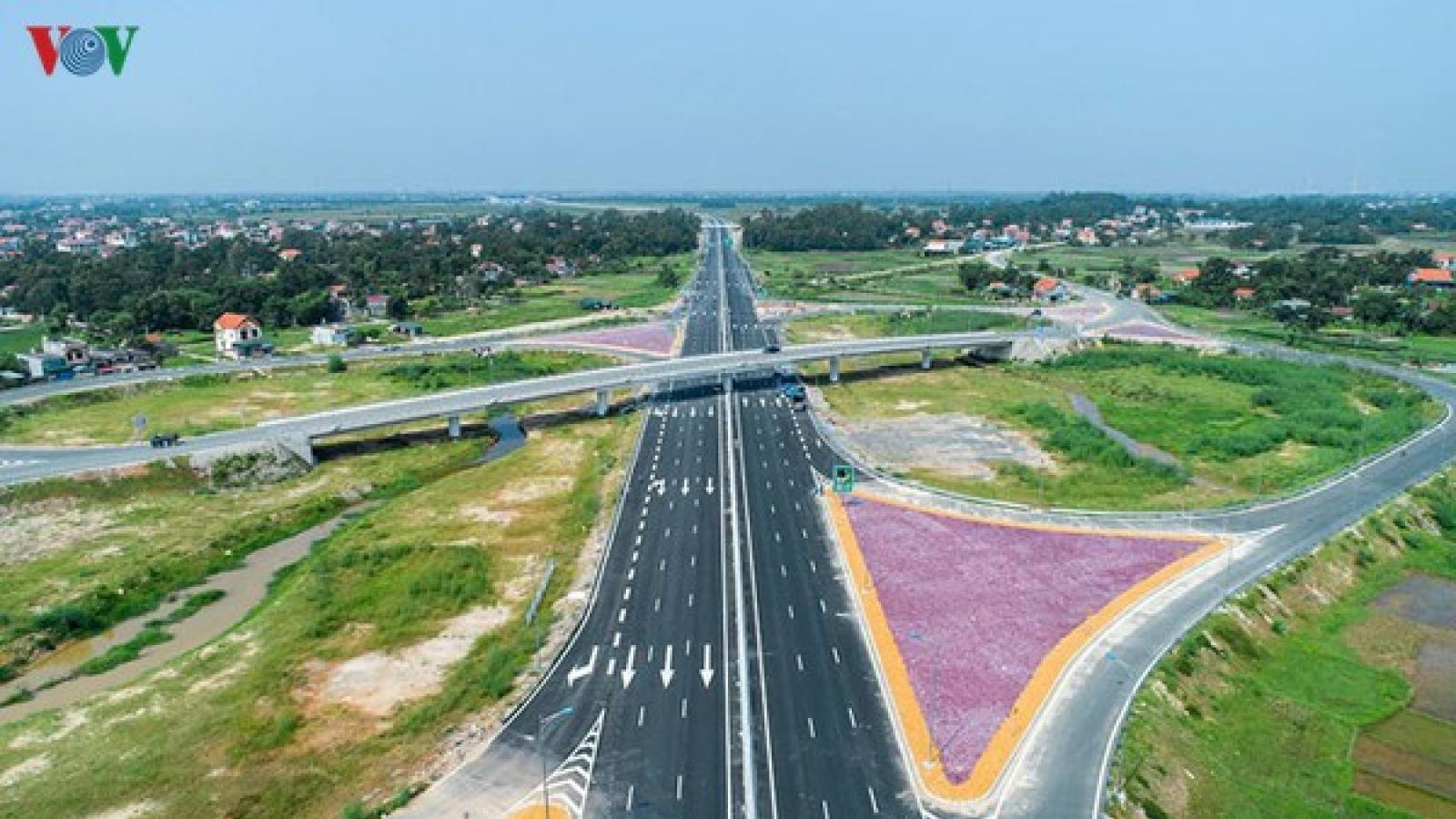 Thống nhất chủ trương chuyển 8 dự án cao tốc Bắc-Nam sang đầu tư công