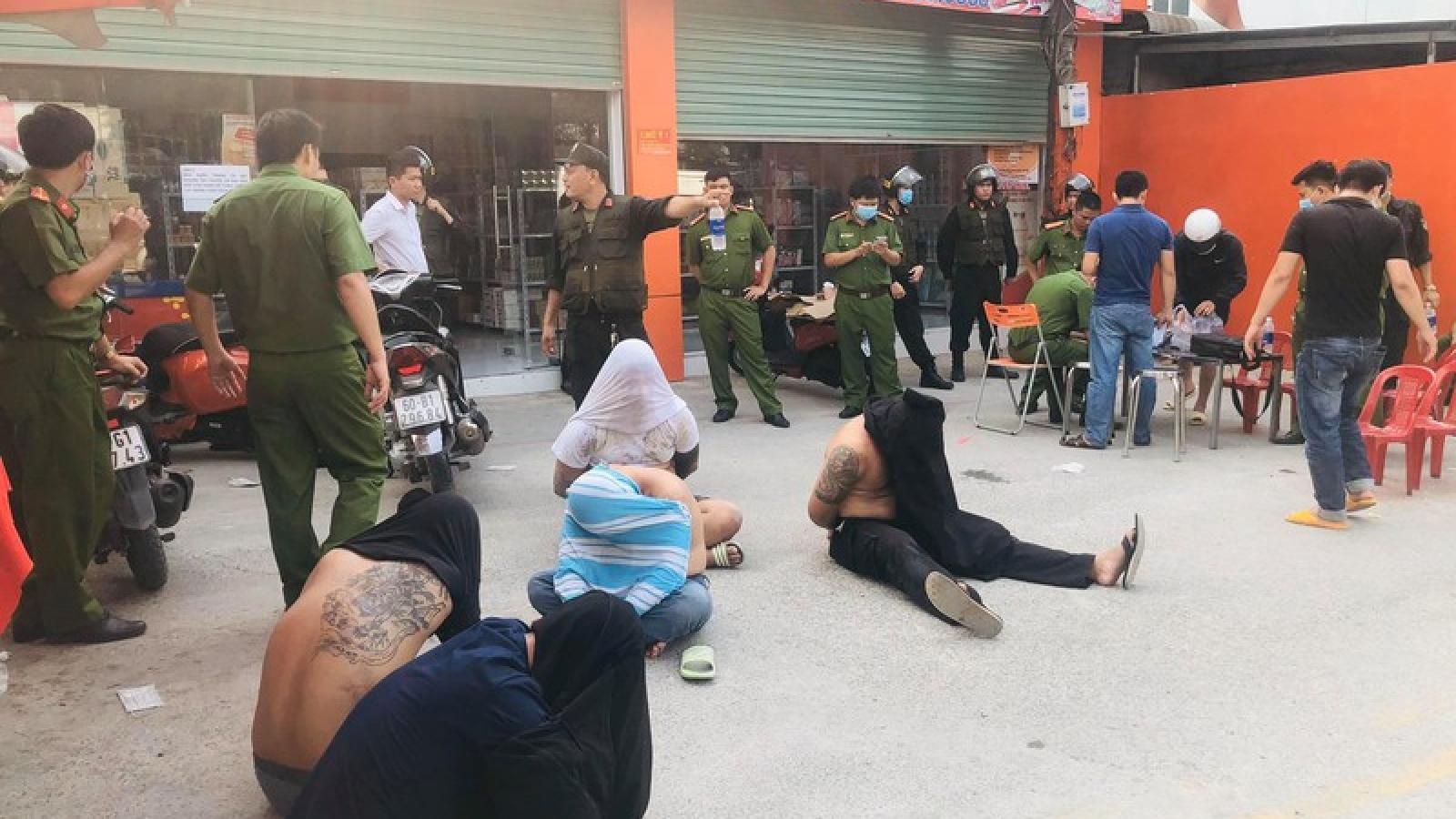 Công an Đồng Nai bắt giữ nhóm giang hồ chuyên thu tiền bảo kê