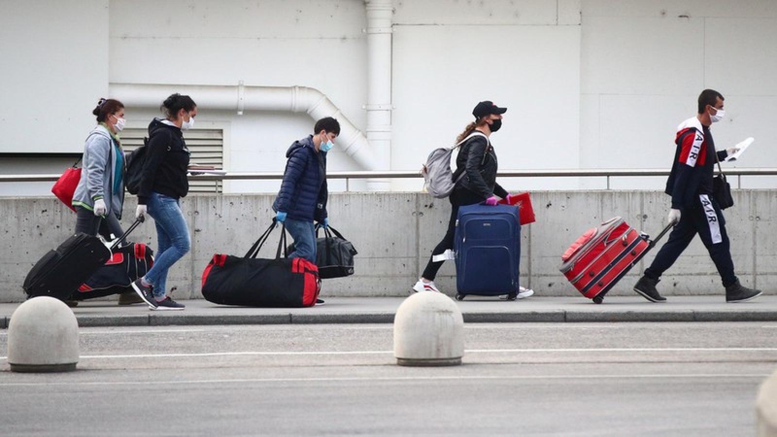 Sân bay Vienna cung cấp xét nghiệm Covid-19 tại chỗ cho du khách