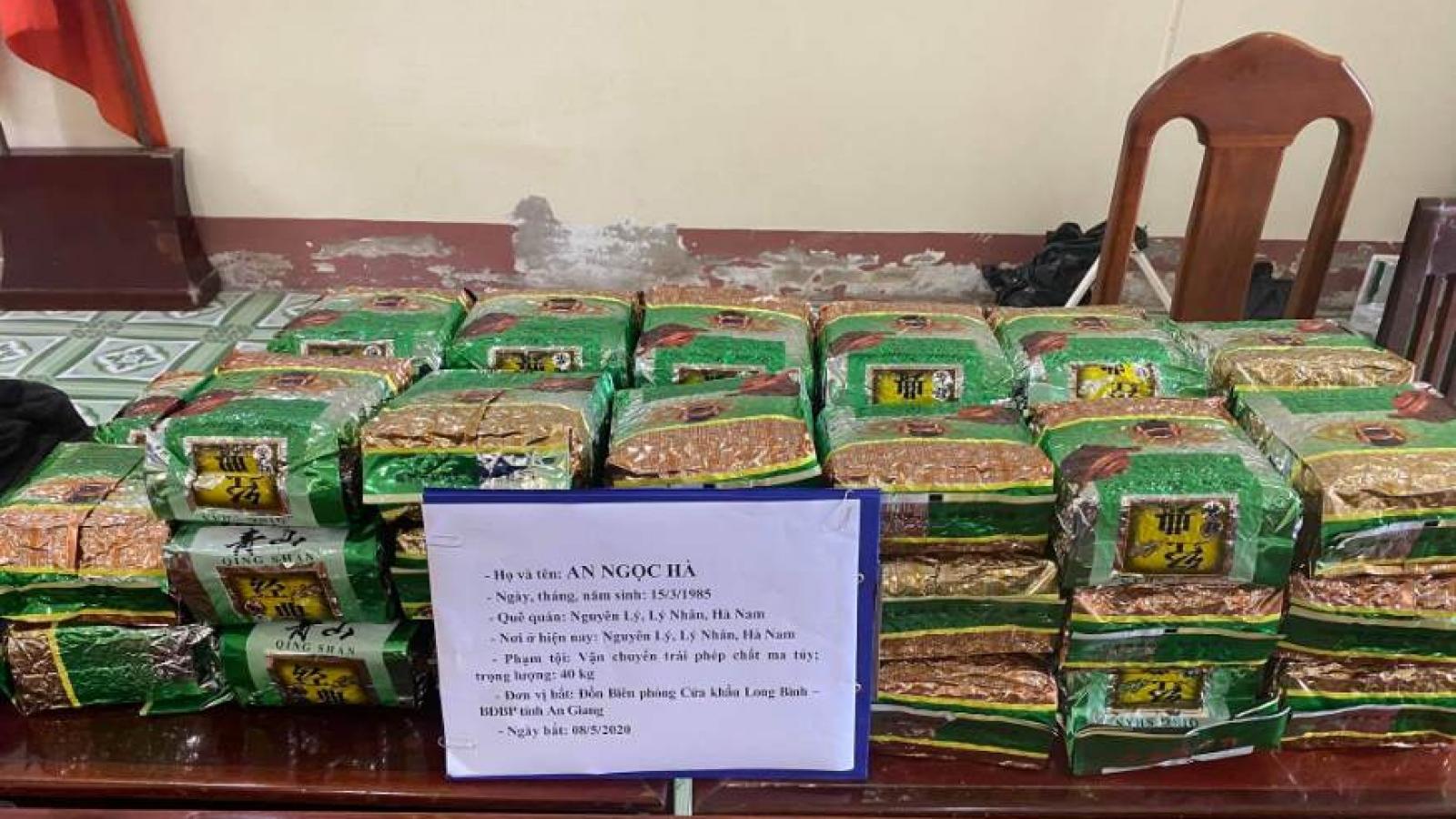 BĐBP mật phục bắt vụ vận chuyển 40 kg ma túy đá từ Campuchia về Việt Nam