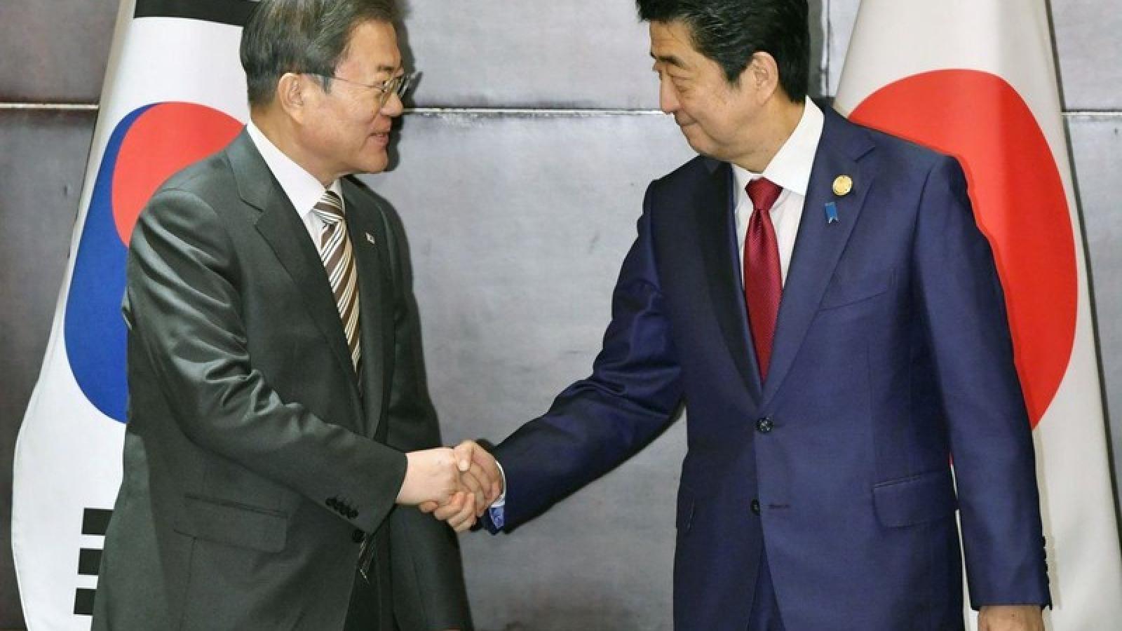 Quan hệ Nhật Bản và Hàn Quốc ấm dần trong đại dịch Covid-19