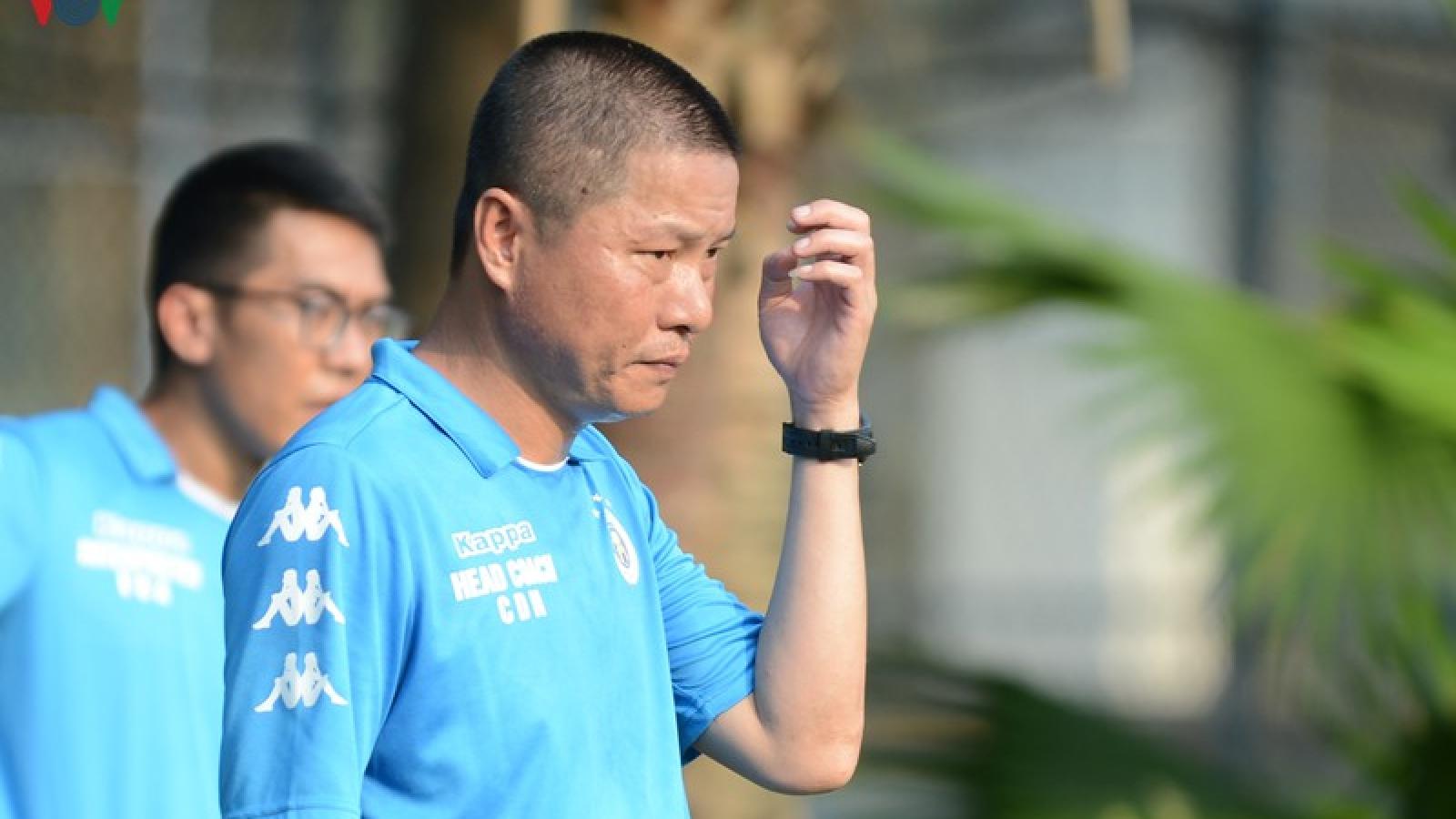 """Hà Nội FC rèn quân, Quang Hải """"ăn đủ"""" khi đua sức với Thành Chung"""