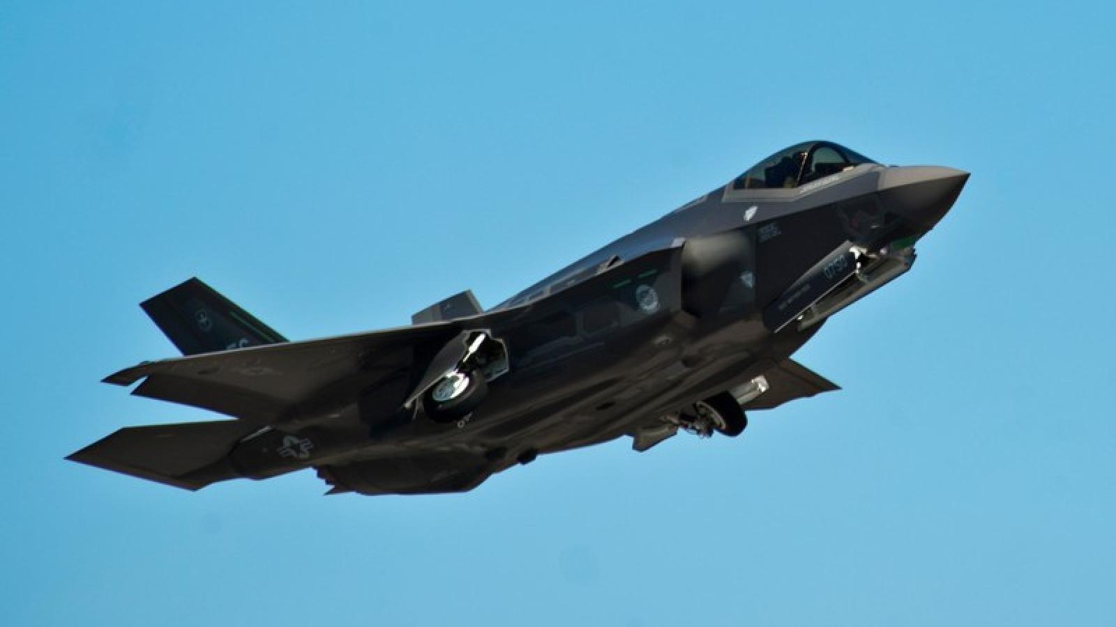 Siêu tiêm kích tàng hình F-35A của Mỹ rơi khi bay huấn luyện