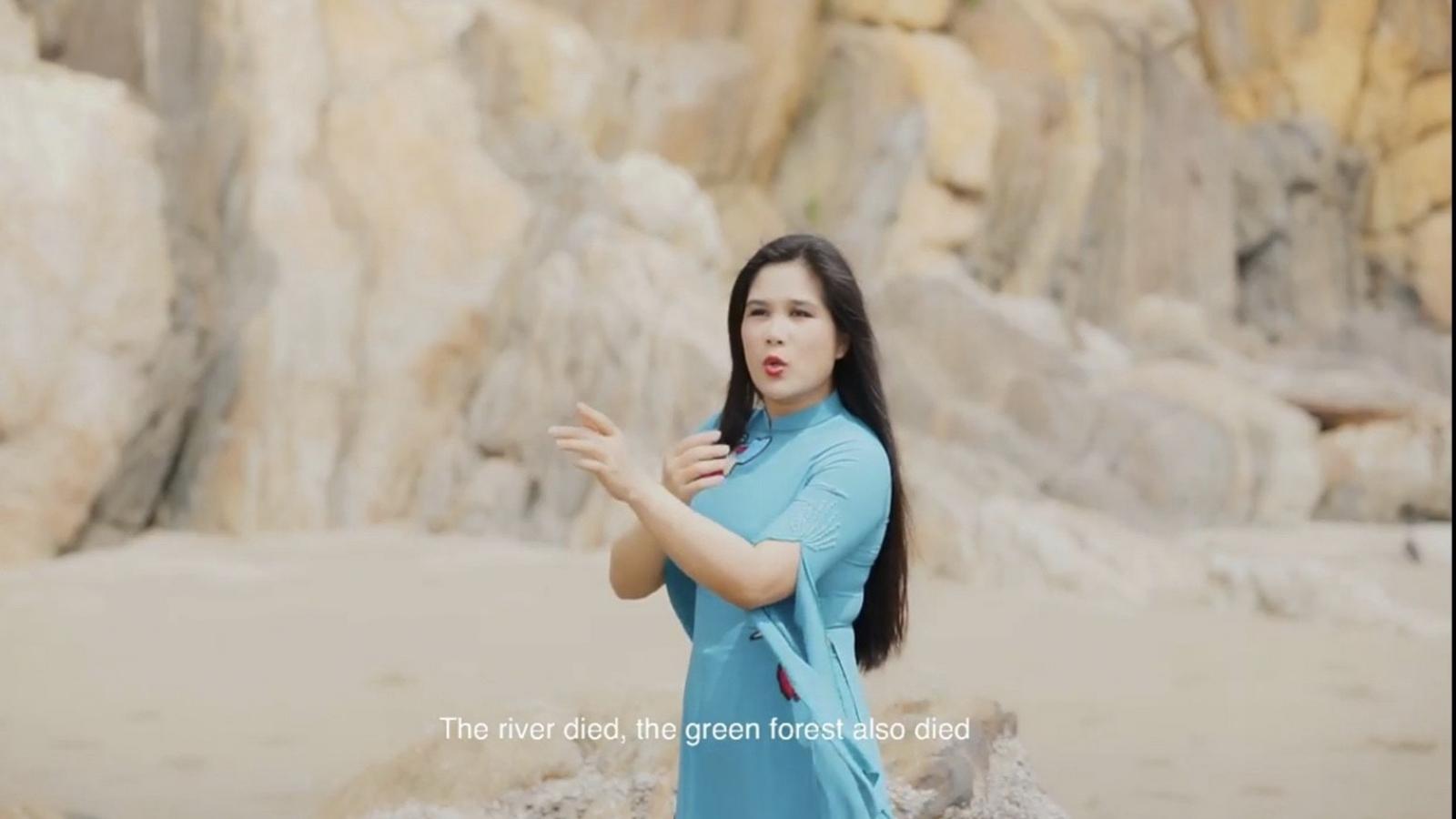 MV mới xót xa, ám ảnh về môi trường của Sao Mai Thu Huyền