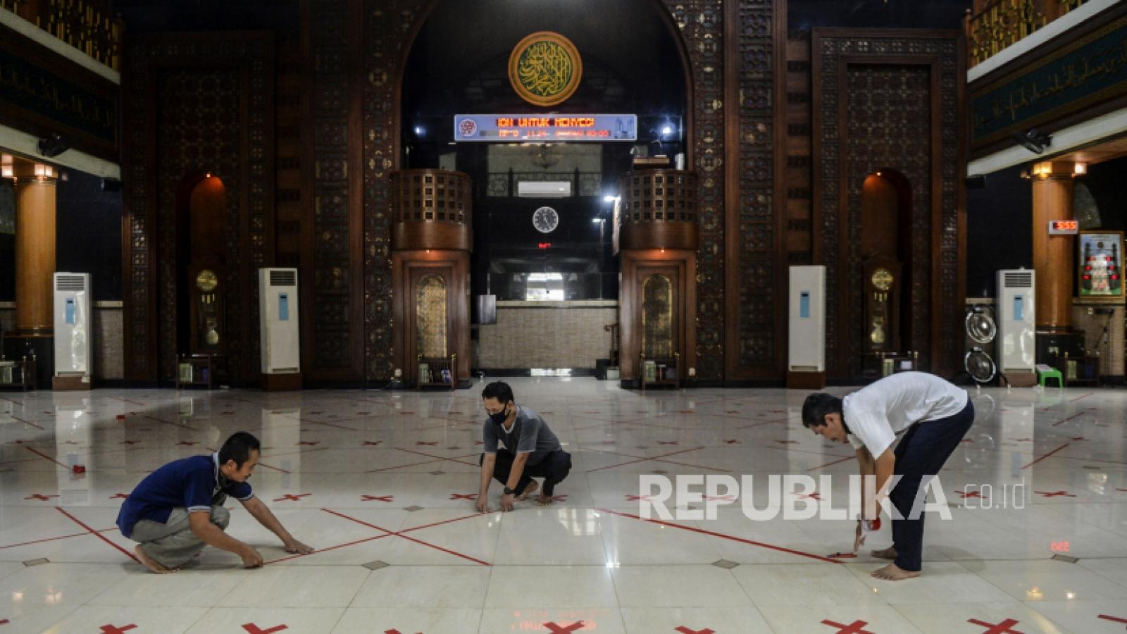 """Indonesia mở lại các nhà thờ trong """"vùng xanh"""" với dịch Covid-19"""