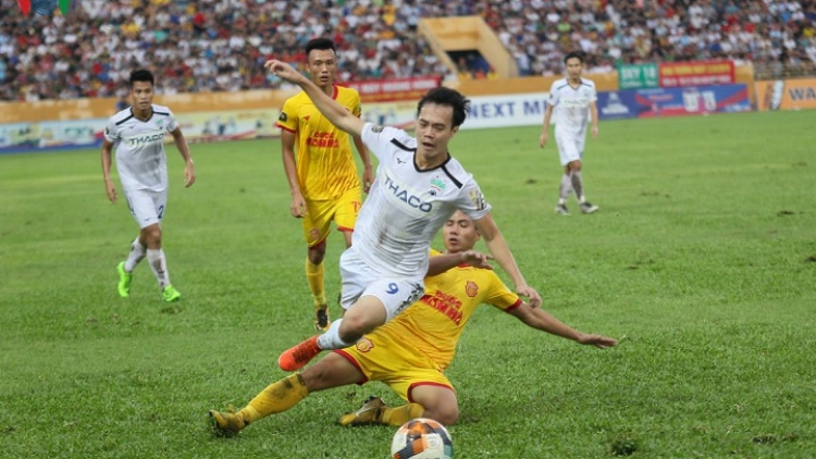 HAGL gặp Nam Định trong trận đấu đặc biệt của bóng đá Việt Nam