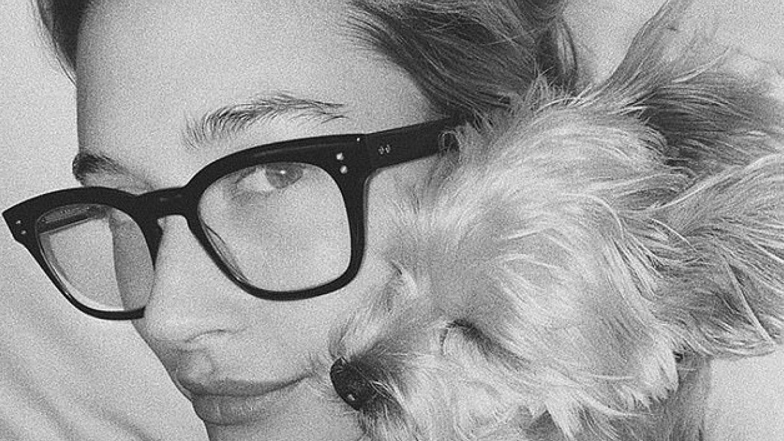 Justin Bieber bất ngờ khoe ảnh vợ xinh đẹp ôm cún cưng trên Instagram