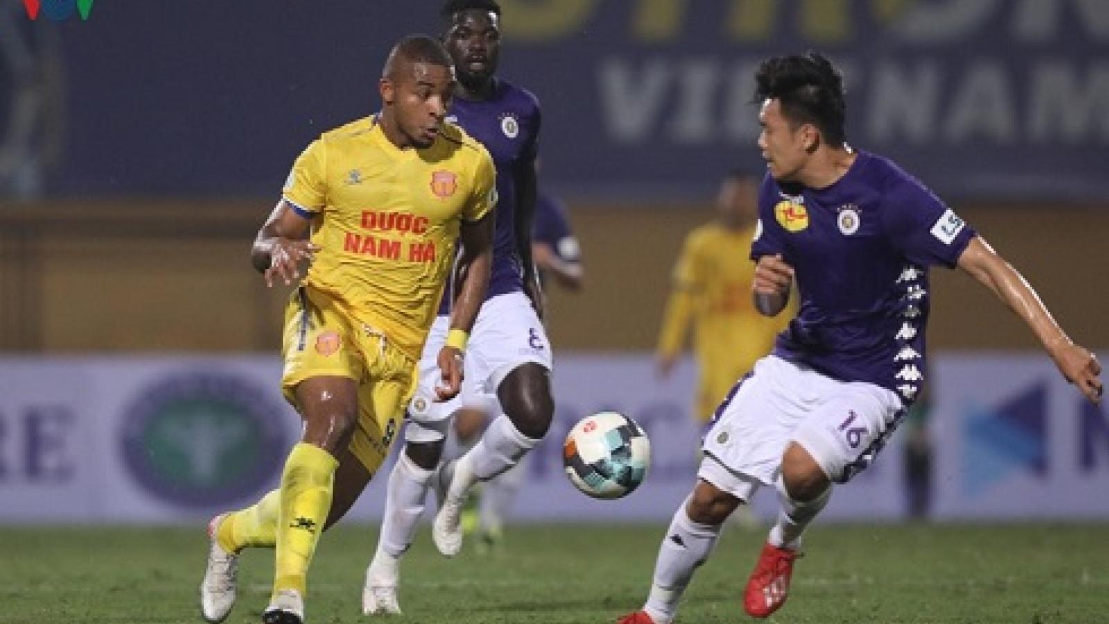 Bóng đá Việt Nam trở lại, V-League 2020 chưa tiếp tục trong tháng 5