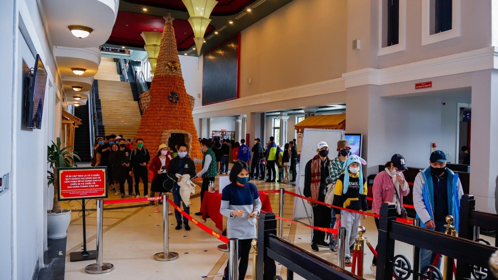 Tổng lượng khách đến Lào Cai dịp nghỉ lễ sụt giảm gần 90% so với cùng kỳ