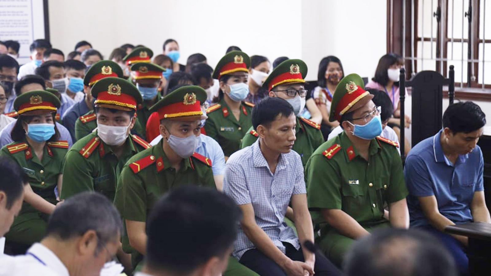 Cựu Thượng tá Công an Hòa Bình phủ nhận câu kết nâng điểm thi