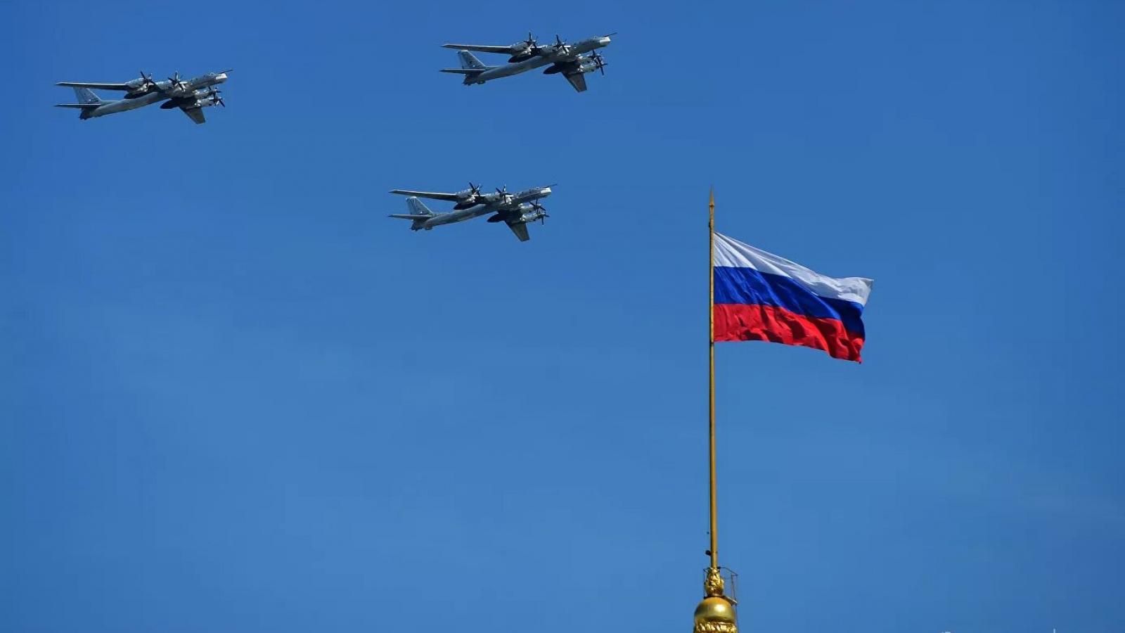 Không khí kỷ niệm 75 năm Chiến thắng ngập tràn trên khắp nước Nga