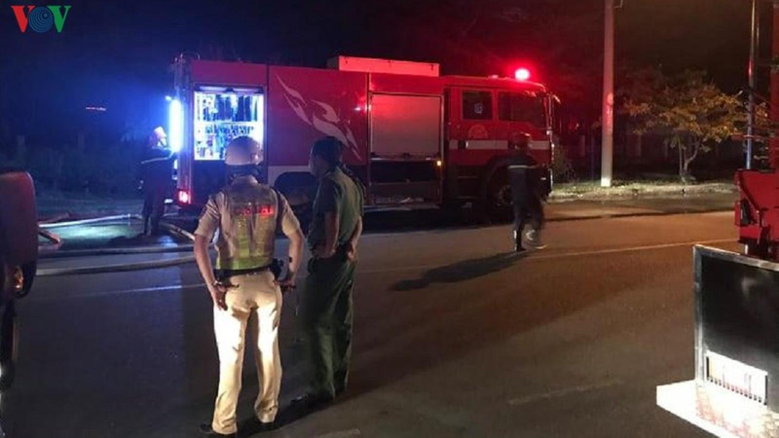 TPHCM: Cháy lớn nhà xưởng trong khu chế xuất Tân Thuận