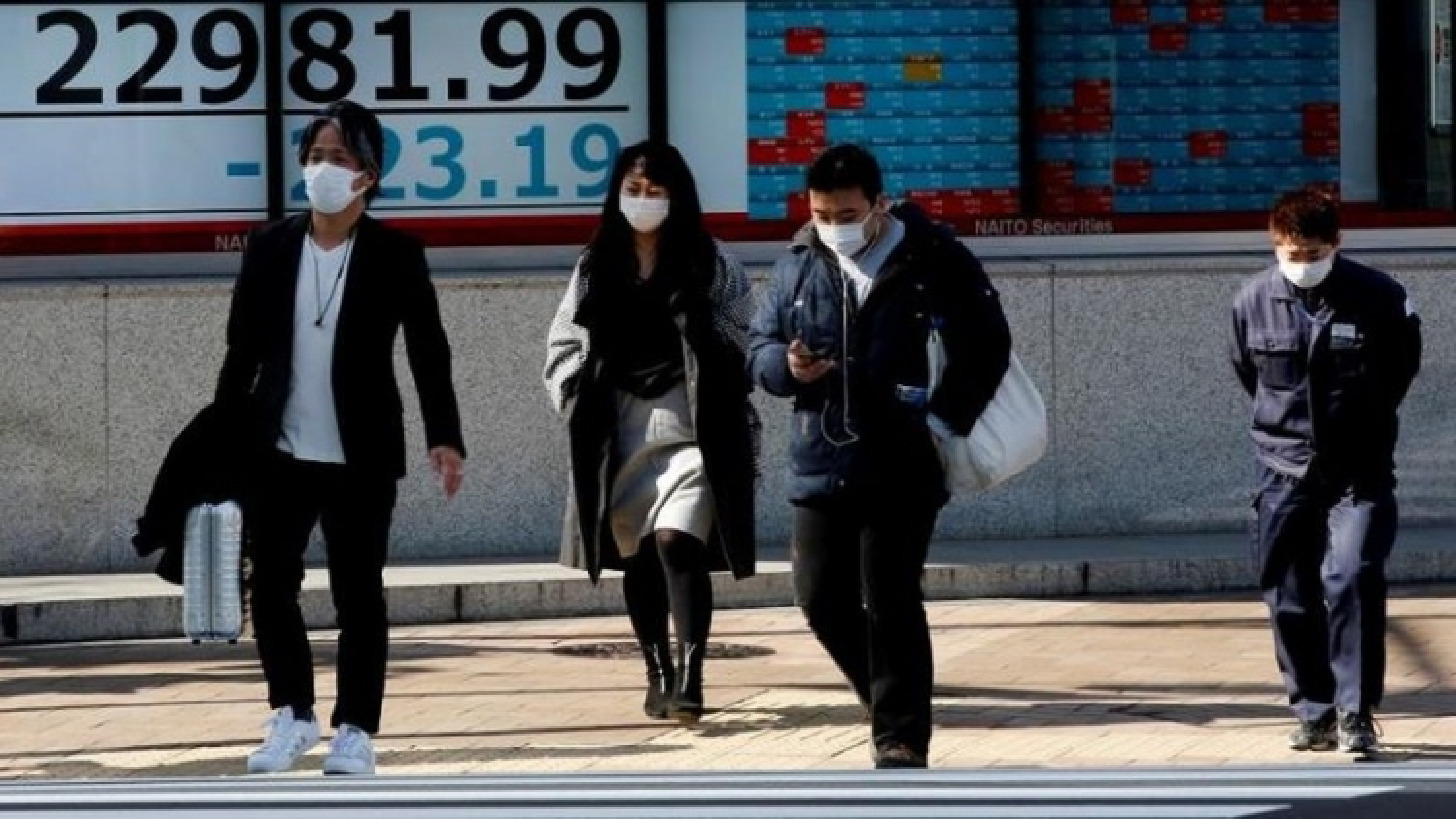 Dịch Covid-19 phức tạp, Nhật Bản kéo dài tình trạng khẩn cấp
