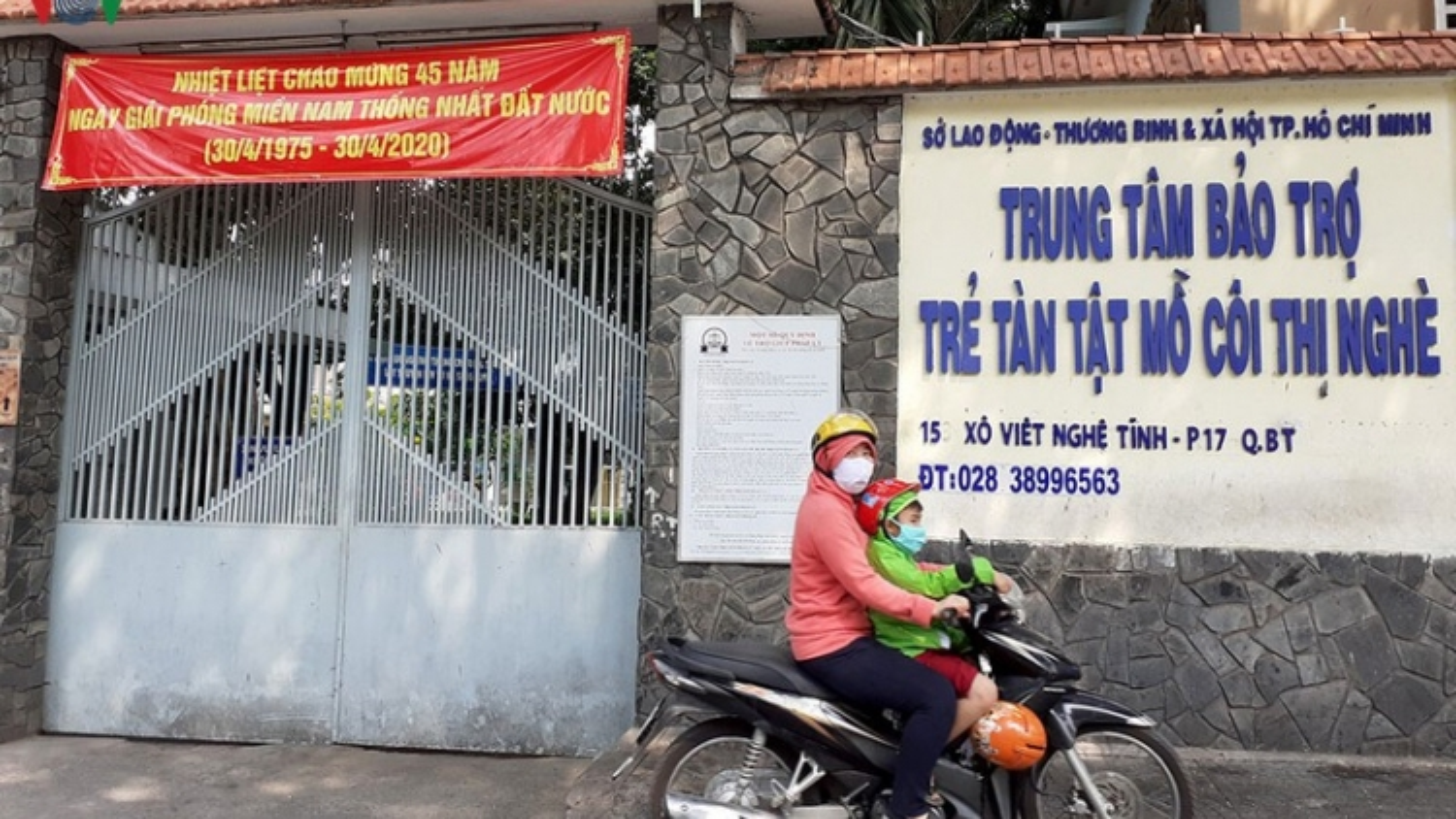 Trung tâm bảo trợ trẻ tàn tật mồ côi Thị Nghè chia nhau tiền từ thiện