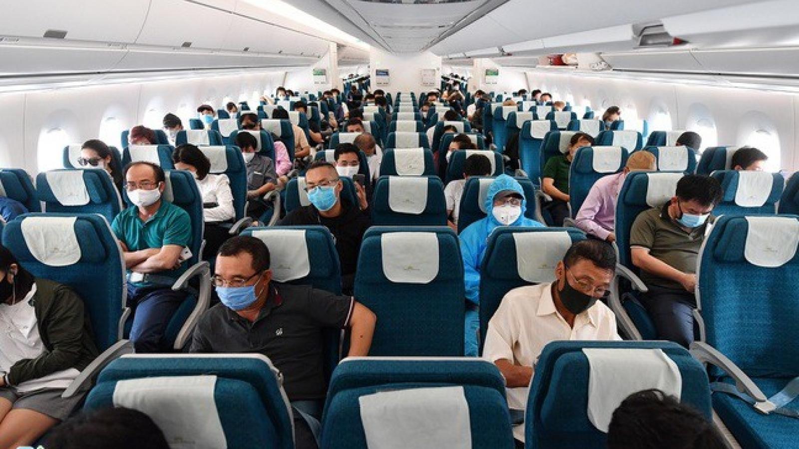 Cục Hàng không xin dỡ bỏ giãn cách ghế ngồi, tăng tần suất bay nội địa