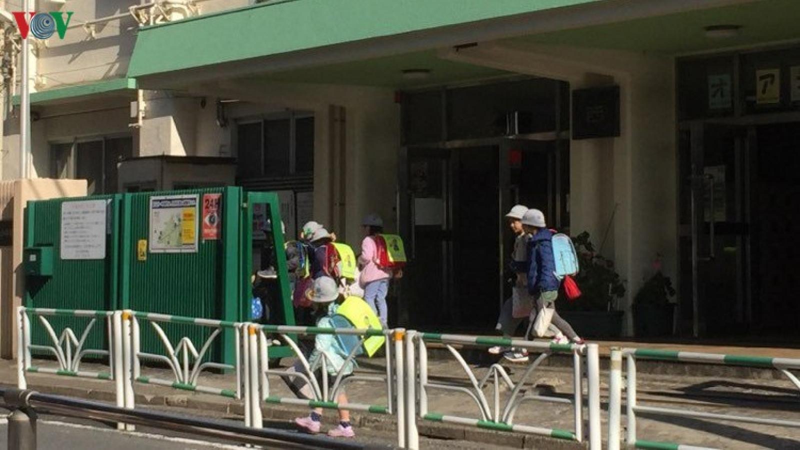 Nhật Bản bãi bỏ tình trạng khẩn cấp hầu hết các tỉnh thành
