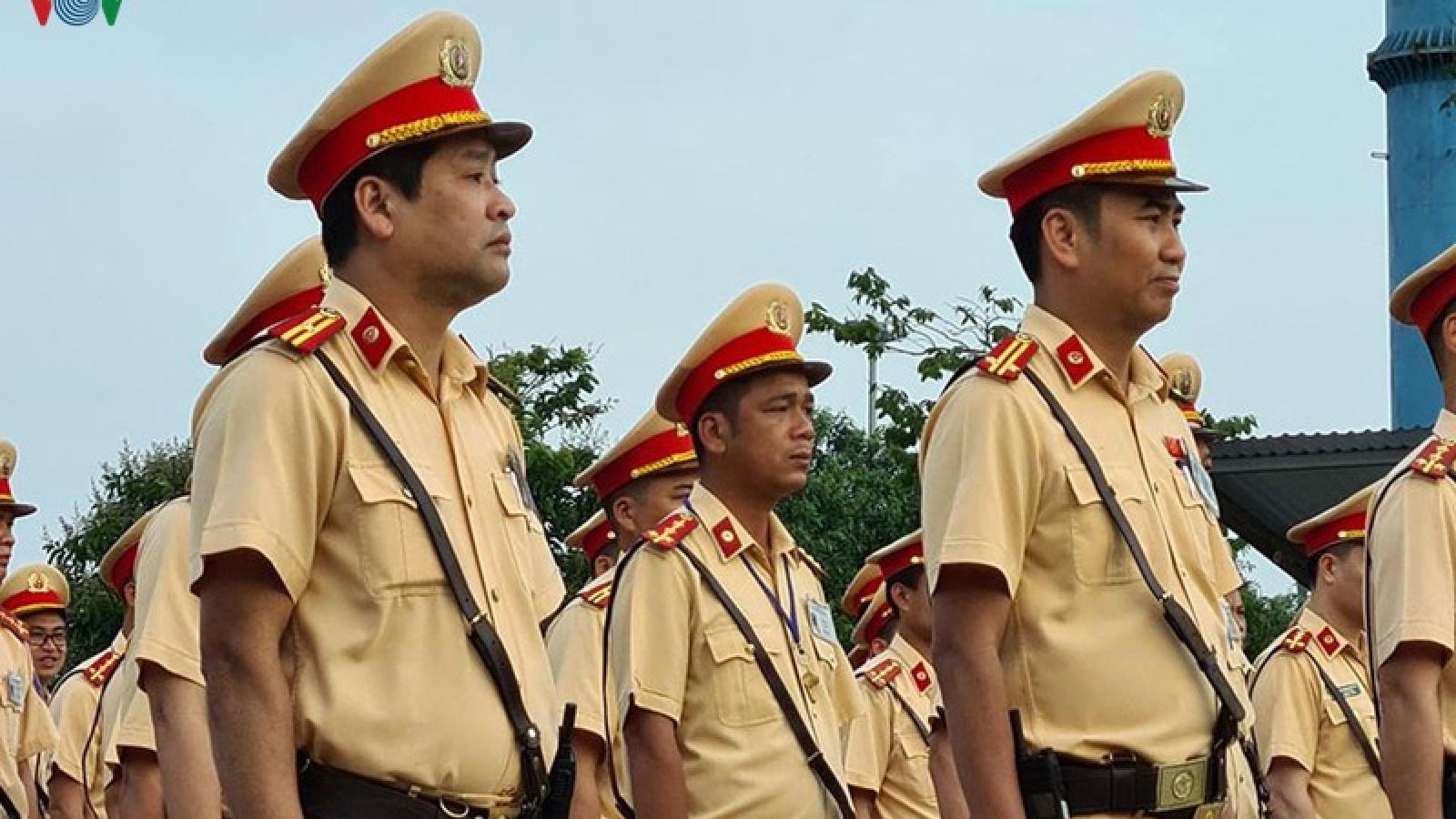 CSGT cả nước đồng loạt ra quân tổng kiểm soát giao thông đường bộ