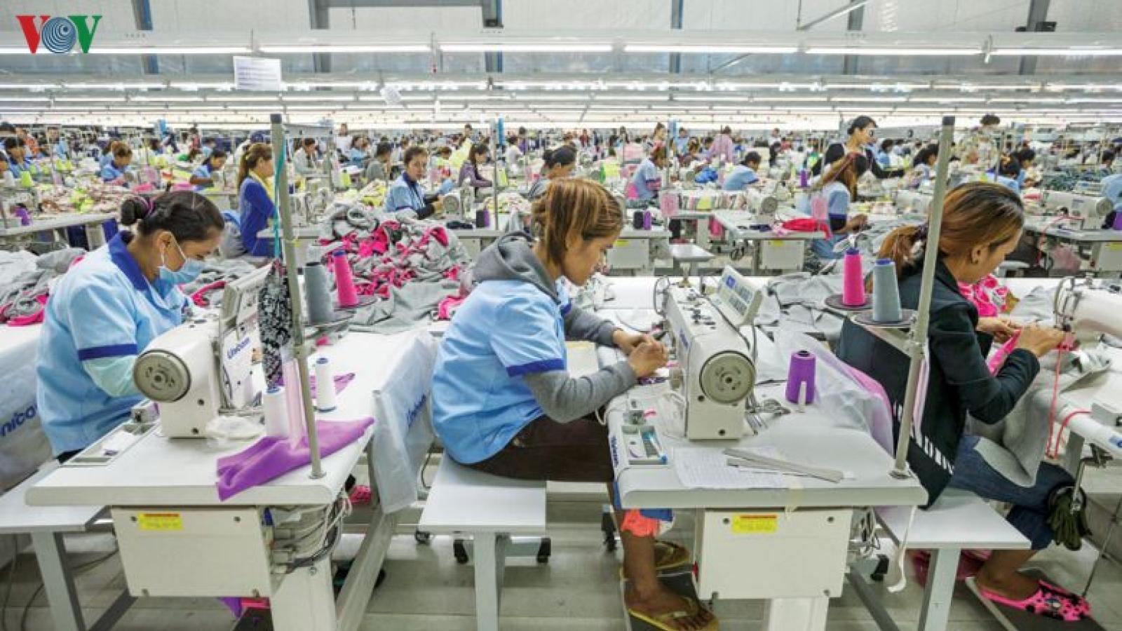 Lần đầu tiên, xuất khẩu dệt may tăng trưởng âm
