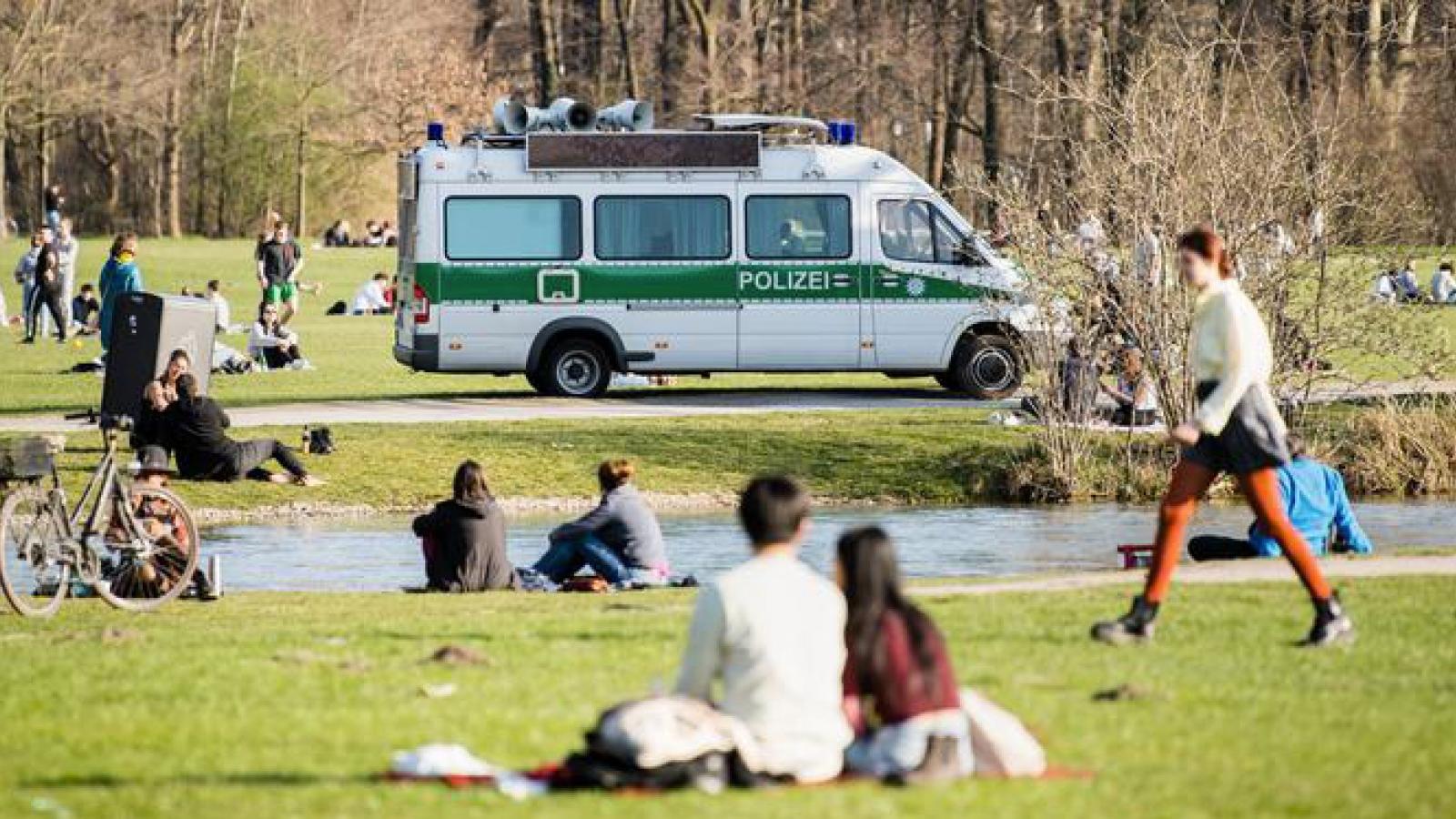 Đức lo ngại dịch Covid-19 tái bùng phát vào mùa thu