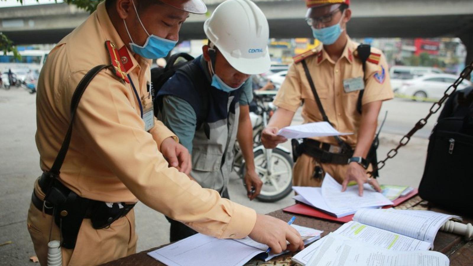 Hơn 2.000 trường hợp không đội mũ bảo hiểm bị phát hiện xử lý