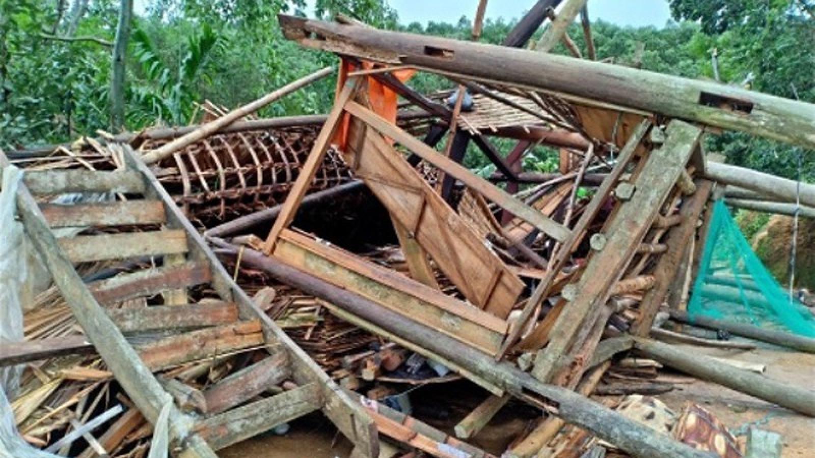 Mưa giông ở Yên Bái làm 1 người bị thương, hơn 40 ngôi nhà hư hỏng