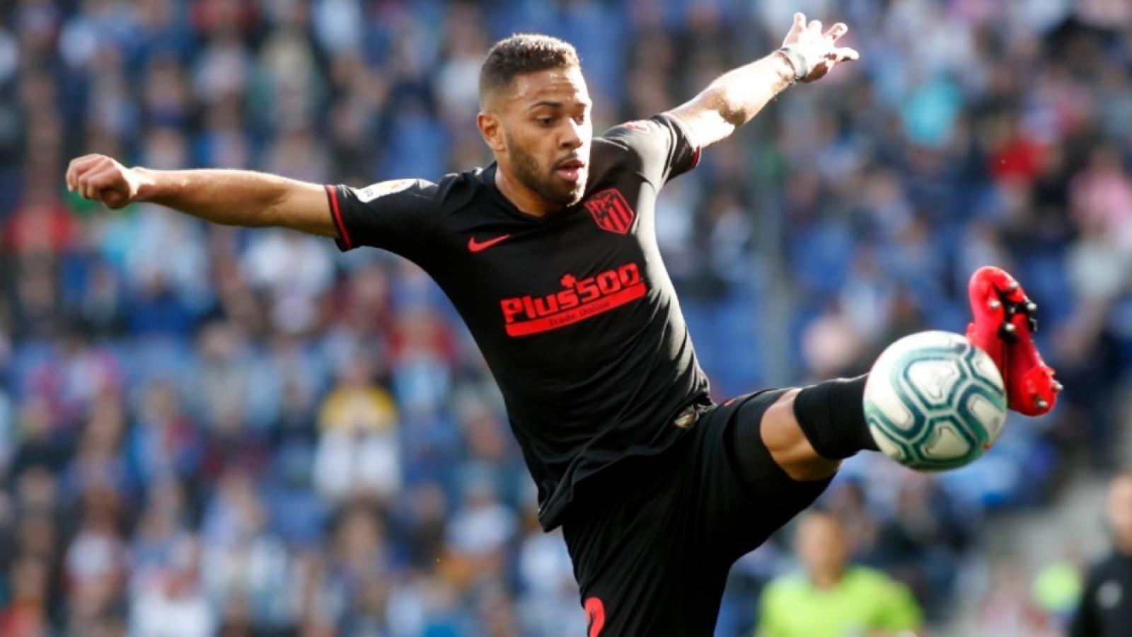 Hậu vệ Renan Lodi của Atletico Madrid mắc Covid-19