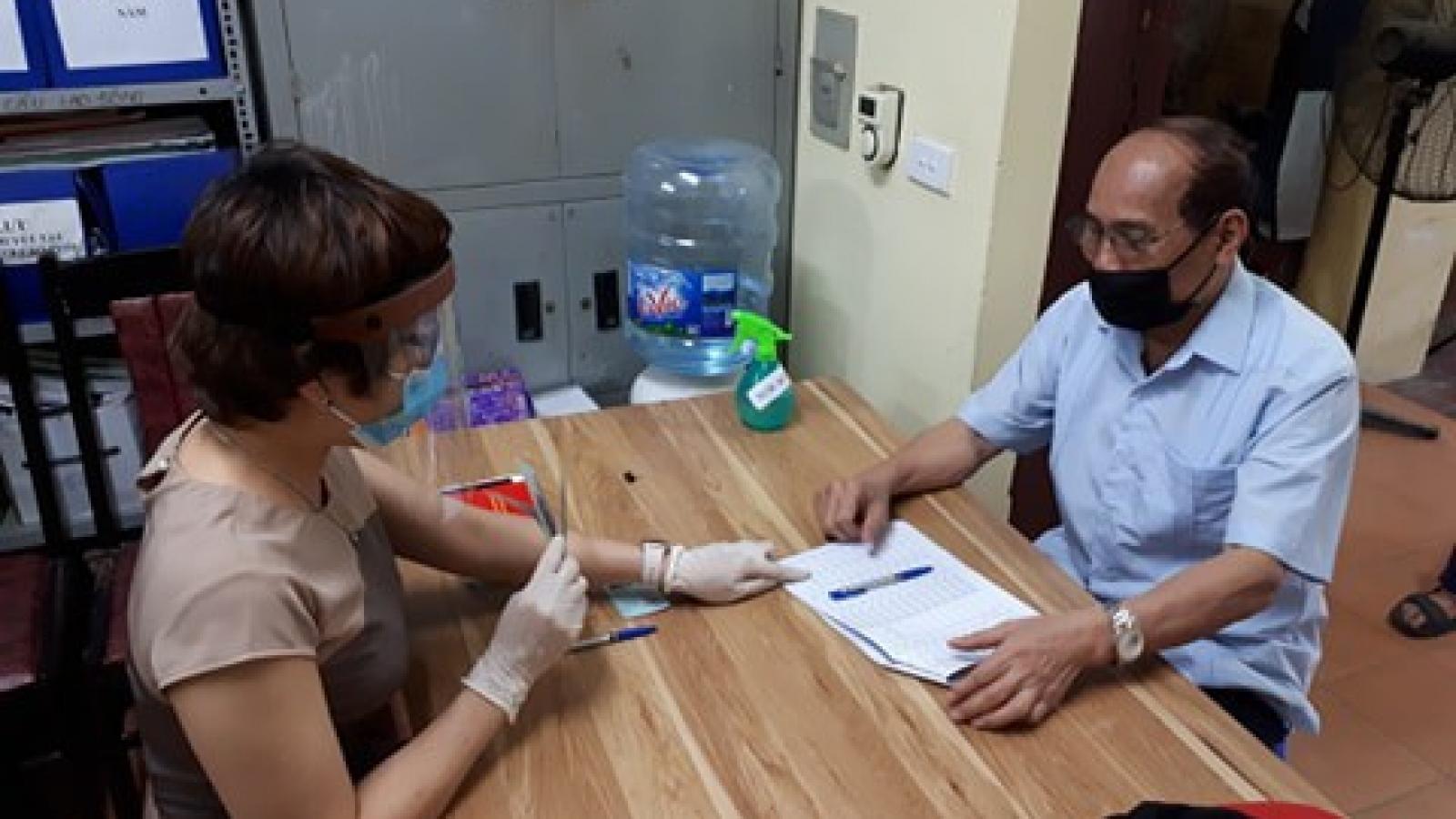 Nhiều quận, huyện tại Hà Nội hoàn thành hỗ trợ đối tượng chính sách