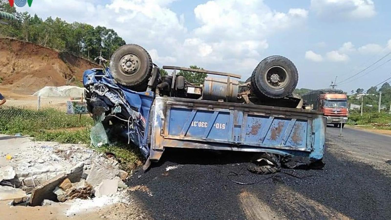 Xe tải mất thắng, lùi tông một phụ nữ tử vong