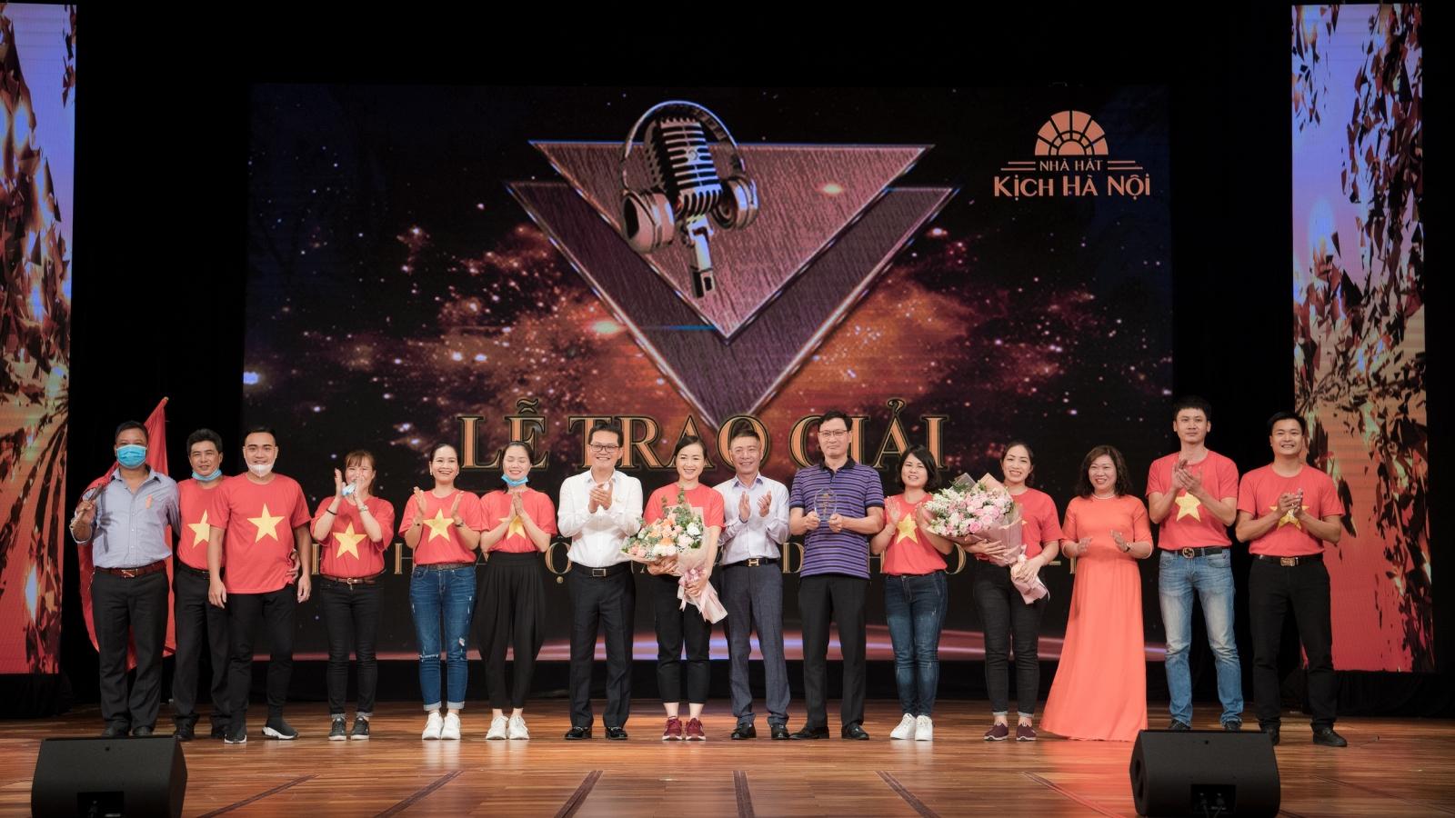 """NSƯT Quang Thắng, Hương """"Voi"""", Tiến Minh bị """"tước"""" giải thi hát online"""