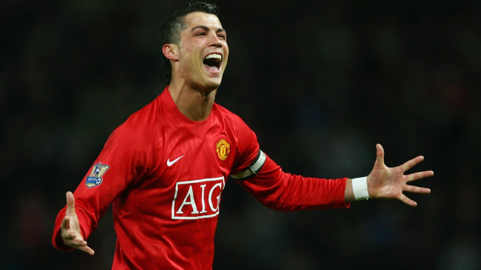 """Patrice Evra: """"Cristiano Ronaldo đã đồng ý trở lại MU"""""""