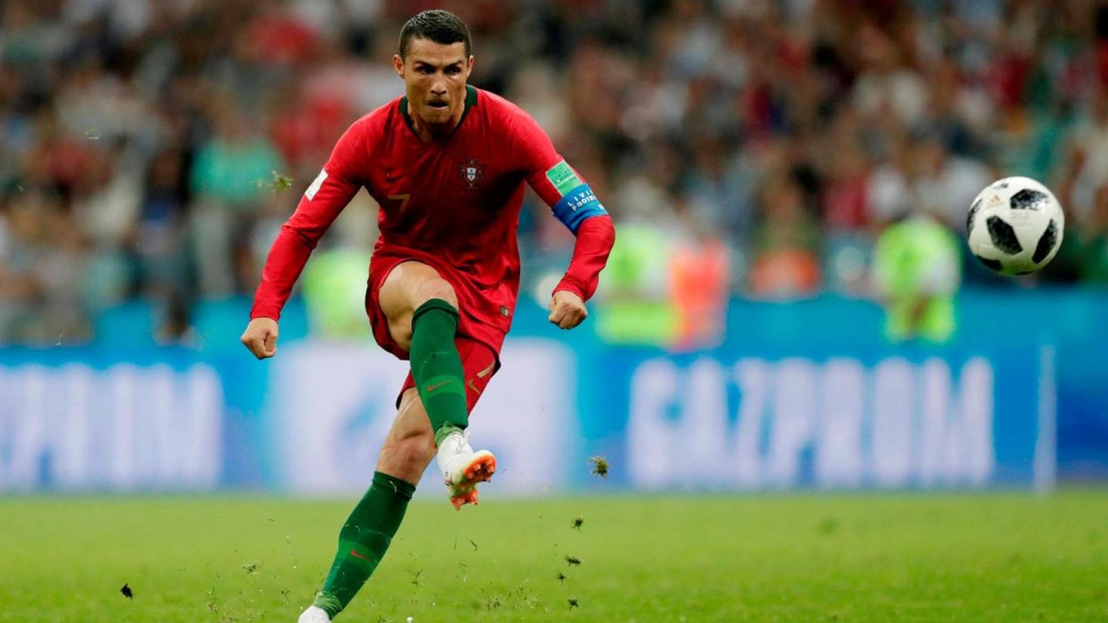 """Ronaldo, Robben và những tuyệt chiêu sút bóng có """"1-0-2"""""""