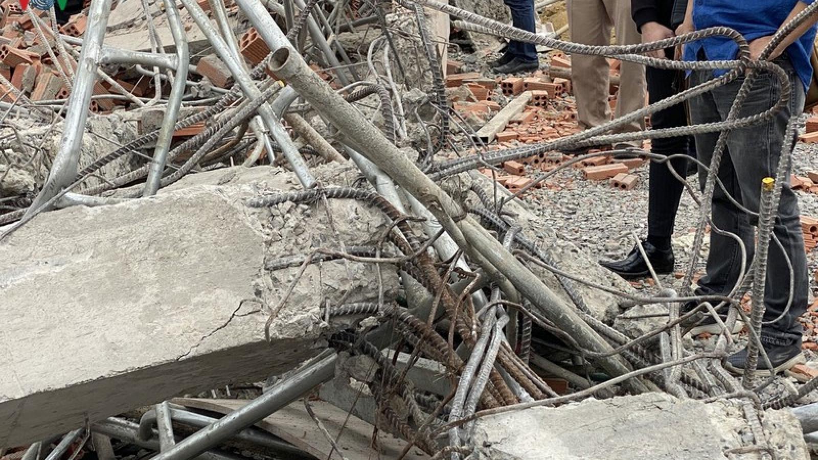 Ảnh: Khảo sát hiện trường, tìm nguyên nhân vụ sập tường ở Đồng Nai