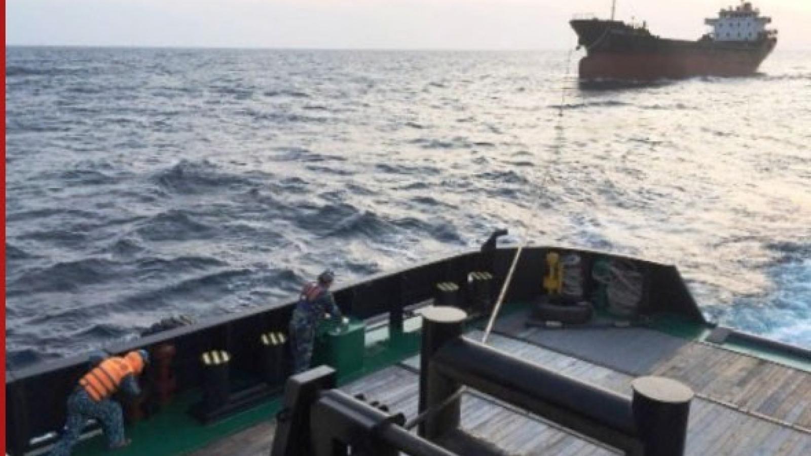 Lữ đoàn Tàu ngầm cứu hộ thành công tàu hàng 5.000 tấn