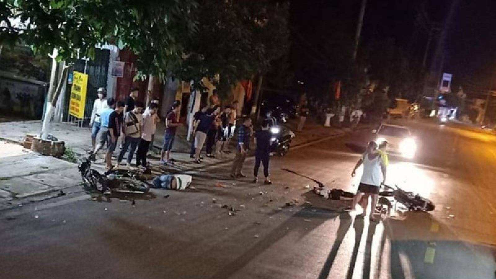 Hai xe máy đối đầu trong đêm, 2 người tử vong tại chỗ