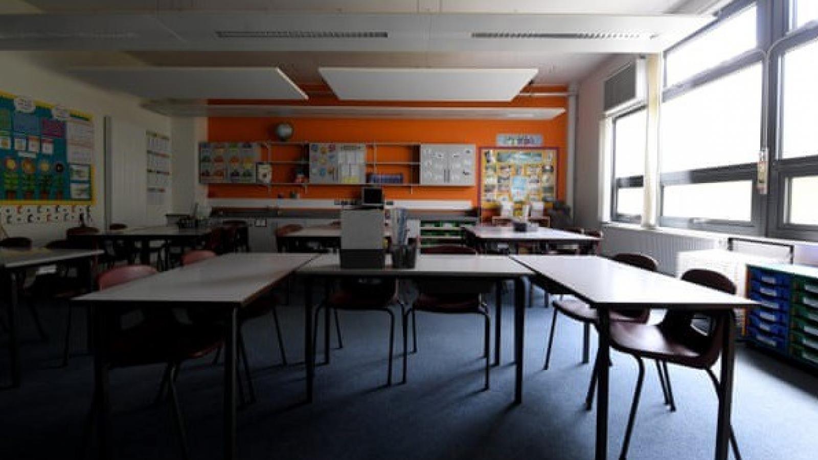 Anh tranh cãi việc mở lại trường học đầu tháng 6 giữa dịch Covid-19