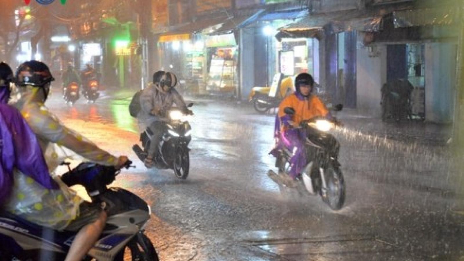 Thời tiết ngày 19/5: Hà Nội ngày nắng, chiều tối và đêm có mưa rào