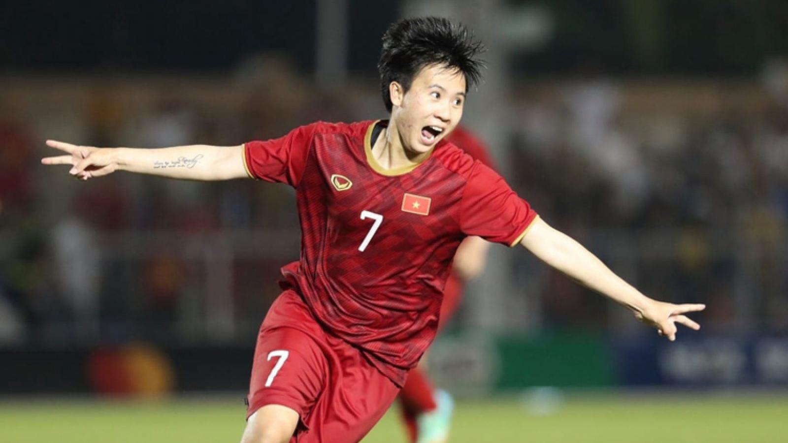"""""""Ronaldo của ĐT nữ Việt Nam"""" thử sức trên cương vị mới"""
