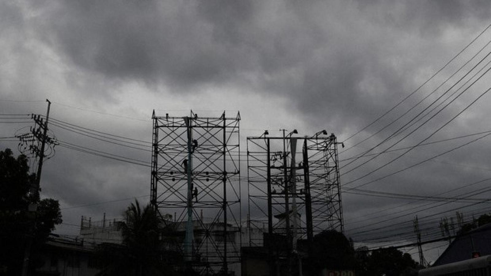 Philippines vừa đối phó với bão, vừa đối phó với dịch Covid-19
