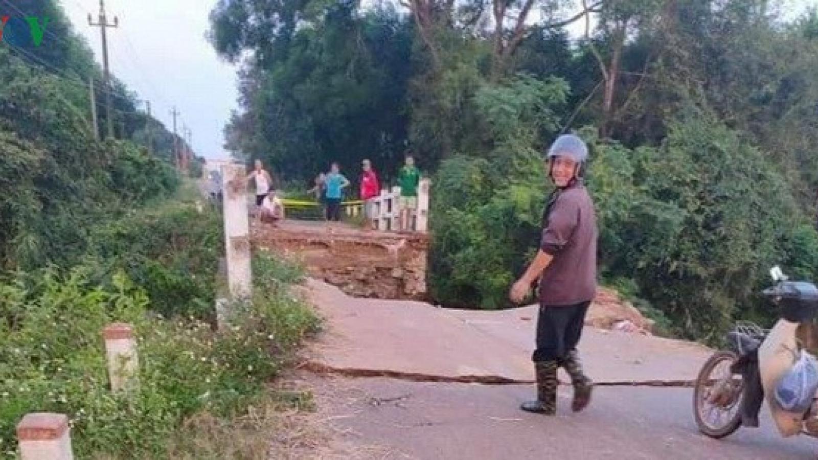 Sập cầu hơn 40 năm tuổi ở Quảng Trị khiến một thôn bị cô lập