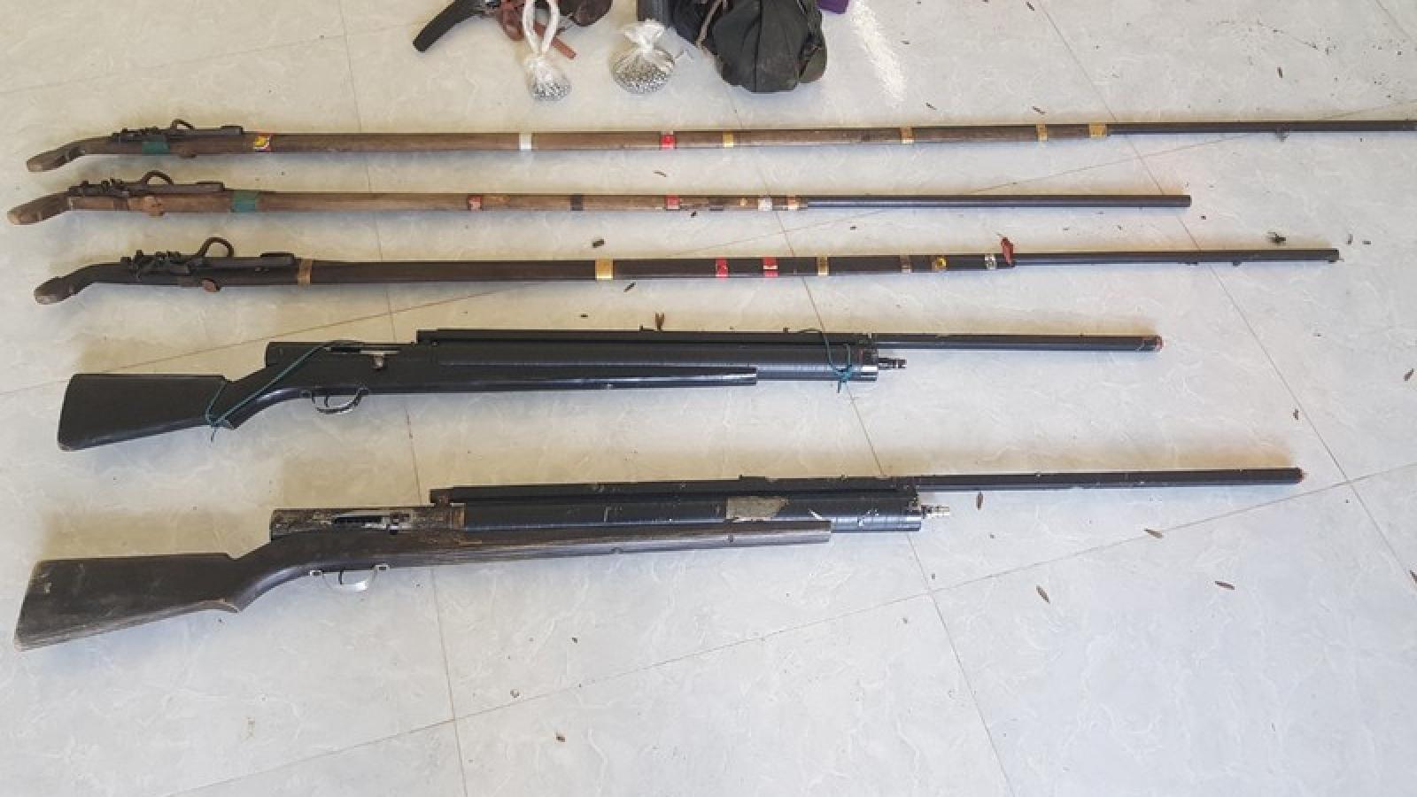 Điện Biên phát hiện, thu giữ nhiều súng tự chế khi kiểm tra rừng