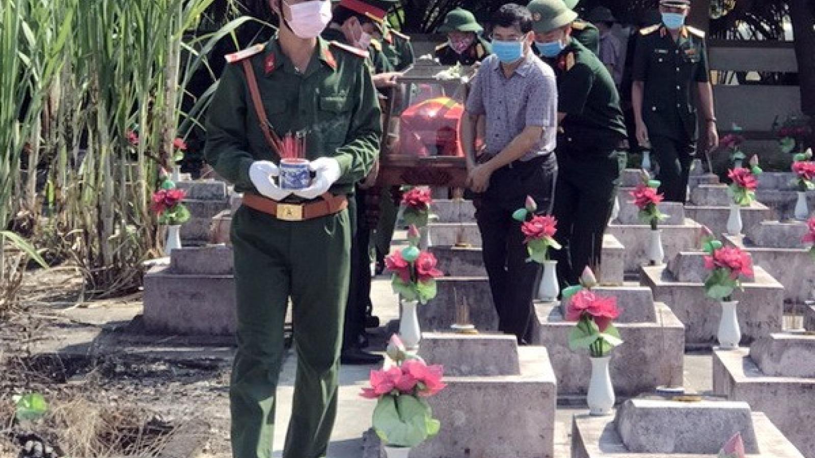 Quảng Bình truy điệu và an táng các liệt sĩ hy sinh tại nước bạn Lào