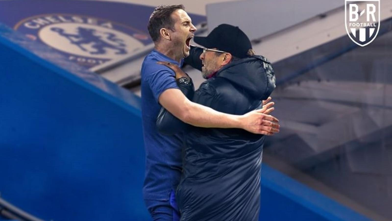Biếm họa 24h: HLV Klopp nhảy múa cùng HLV Lampard ăn mừng chức vô địch