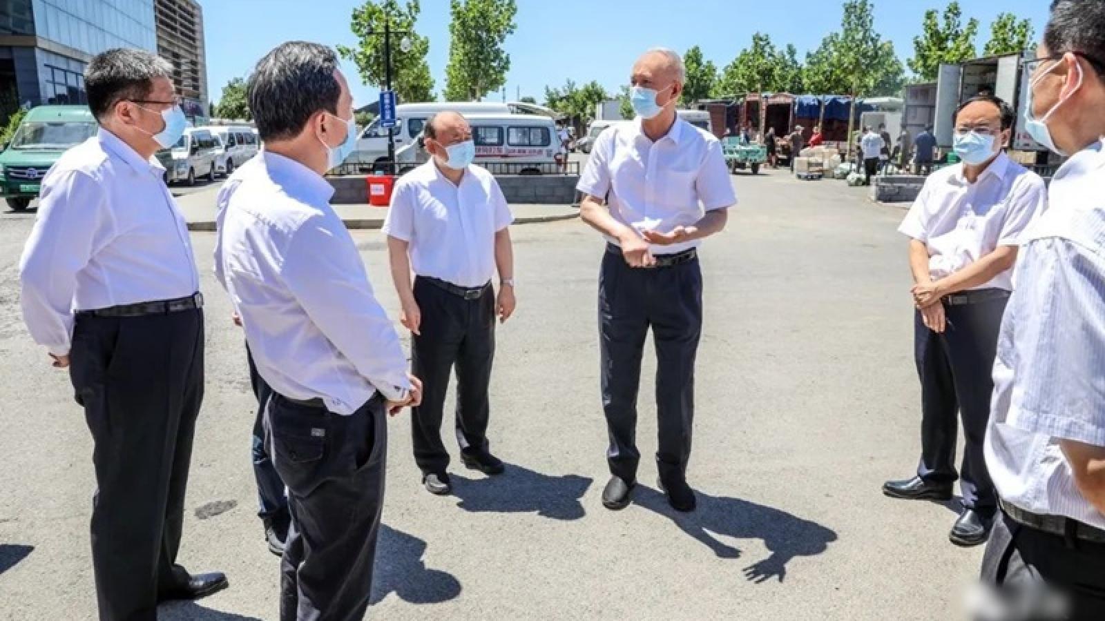 Bắc Kinh tái bùng phát Covid-19 - Lời cảnh báo cho việc dỡ bỏ hạn chế