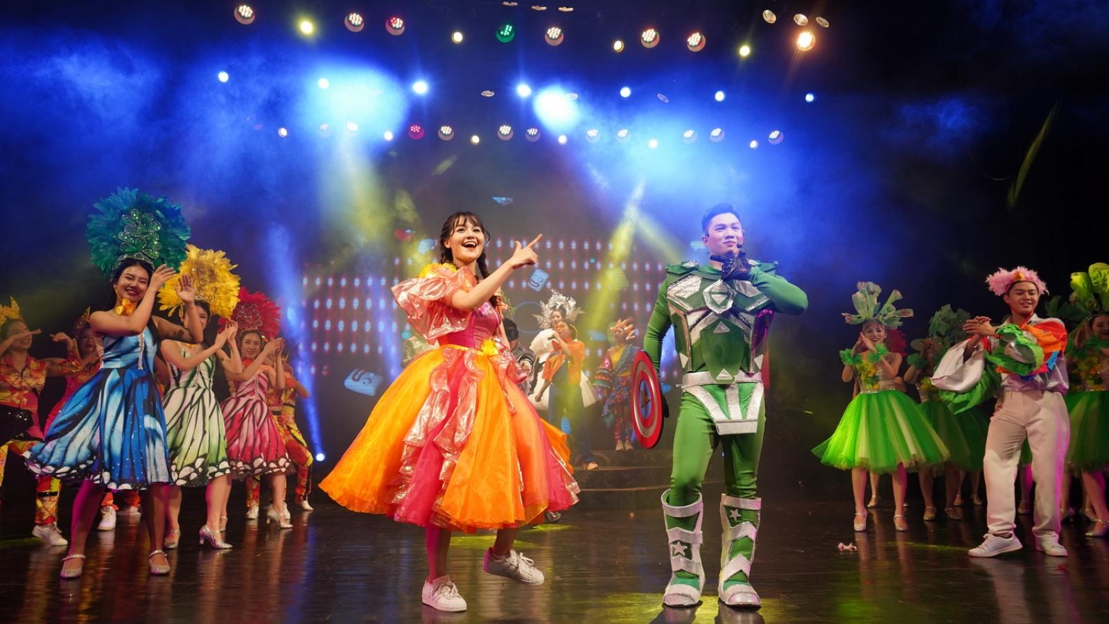 """Sân khấu thiếu nhi - """"cú hích"""" cho sự trở lại của các nhà hát"""