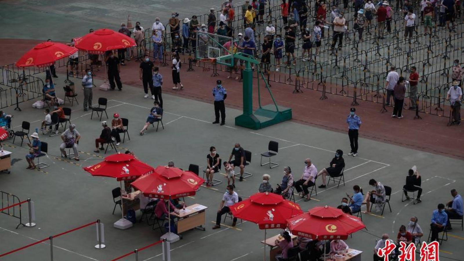 Bắc Kinh (Trung Quốc) xét nghiệm Covid-19 cho hơn 3,2 triệu người