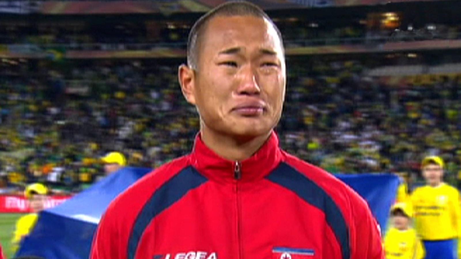 Ngày này năm xưa: Cầu thủ Triều Tiên bật khóc ở World Cup 2010